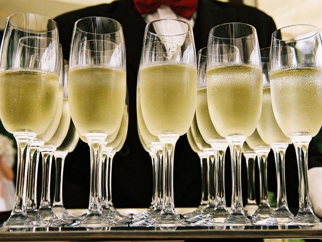 Картинки по запросу шампанское