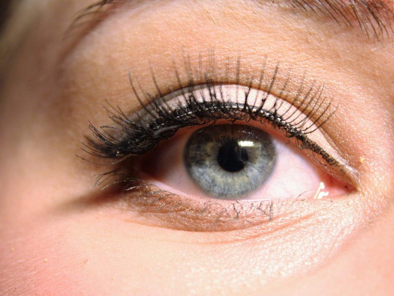 Наращивание ресниц в уголках глаз фото до и после